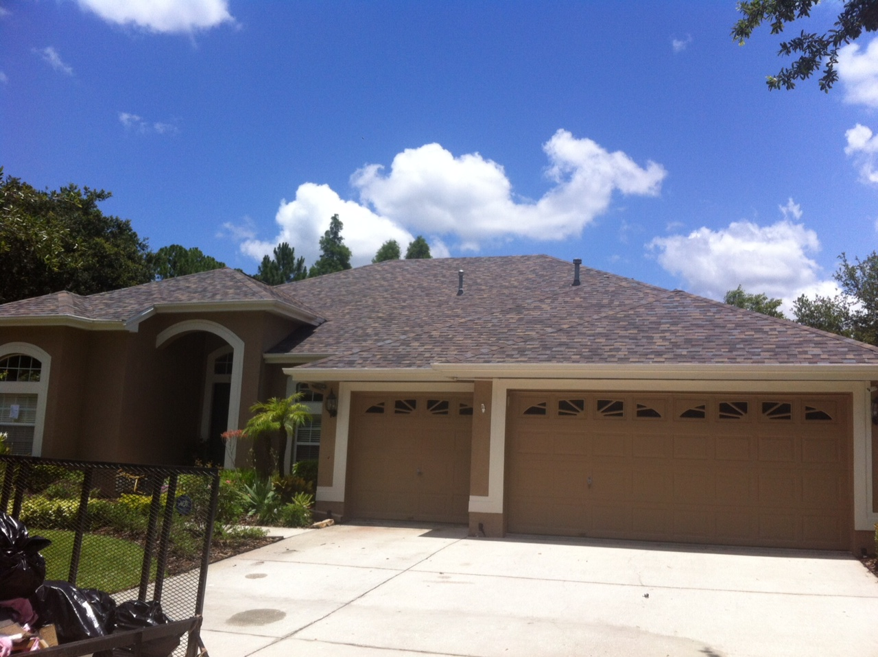 Asphalt roof replacement in Tampa