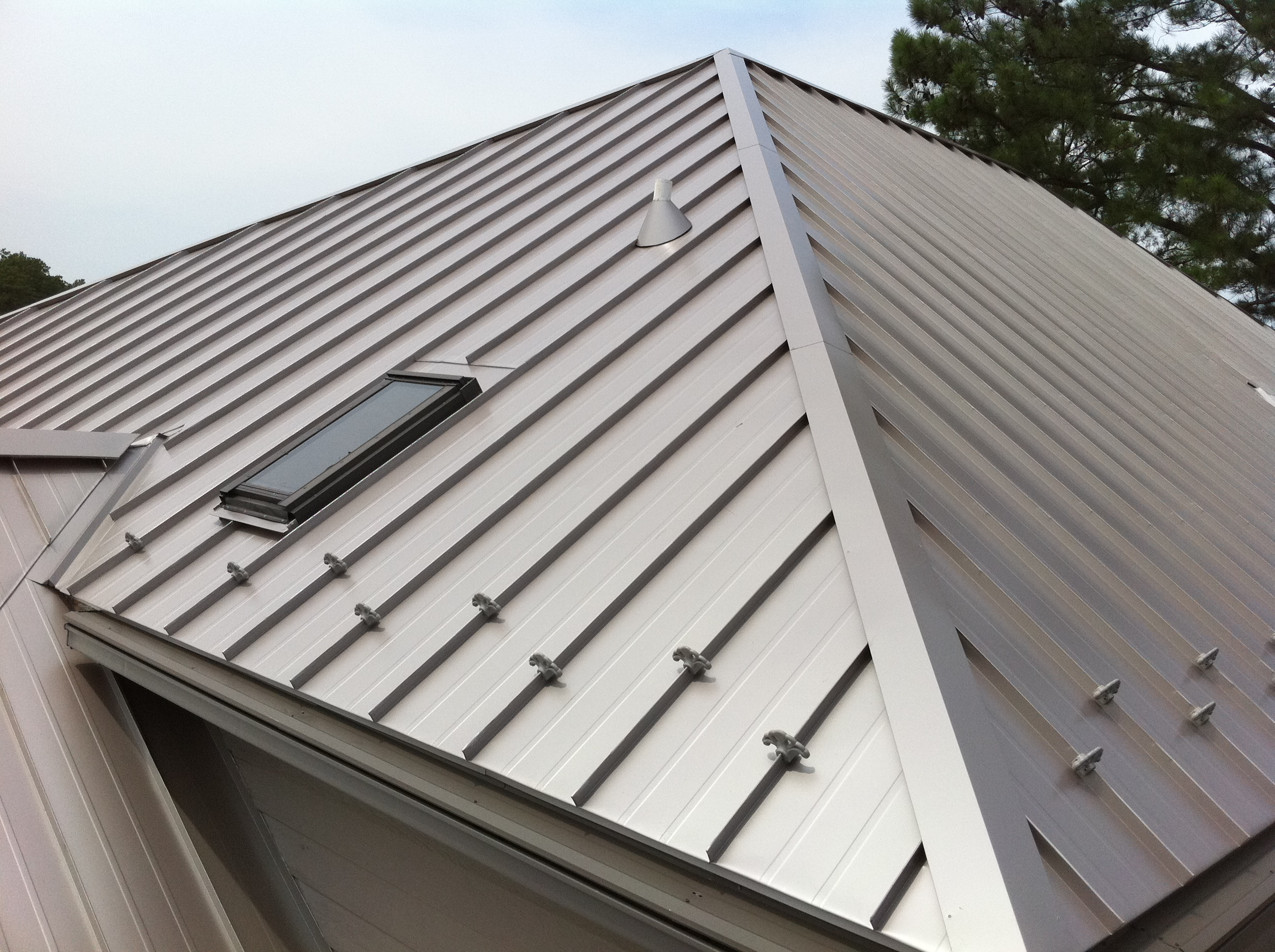 7 Reasons To Install A Standing Seam Metal Roof